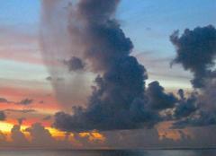 Nuages Marigot 97150 Pluie du soir sur le canal d'Anguille