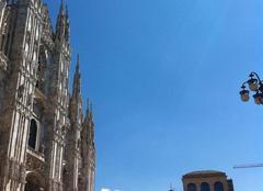 Ciel bleu � Milano piazza del Duomo