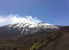 Insolite Linguaglossa 95015 Etna, un volcan toujours en éveil