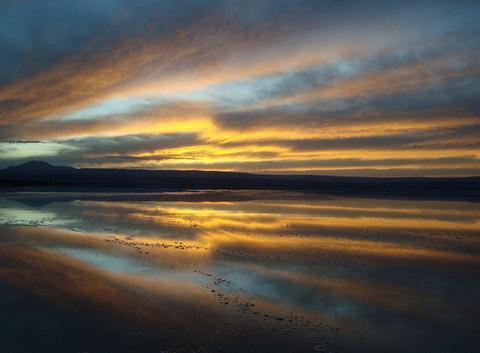 Lac salé dans le Désert d'Atacama