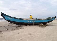 Insolite Port-Gentil Pirogue