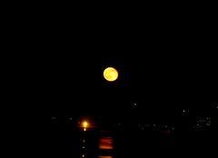 Le soleil à rendez-vous avec la lune .... à OUALIDIA (Maroc)