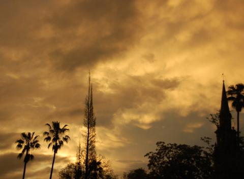 Couverture de nuages sur la vill
