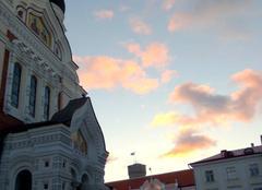 Le soleil se couche sur Tallinn