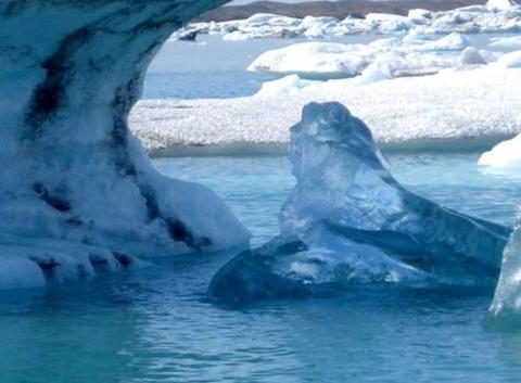 La glace à l'attaque
