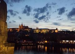 Nuages Prague Prague par une nuit de printemps