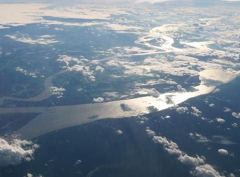 La riviére Amazonas vu dans le ciel du Brésil