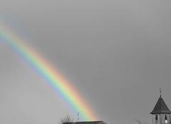 Arc en ciel - eglise (version noir et blanc)