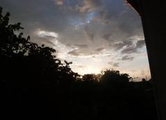 Lever du soleil avec les nuages