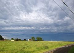 Ciel tres nuageux