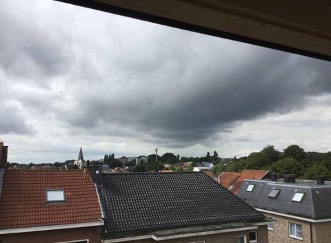 Gros nuages sur Dilbeek.