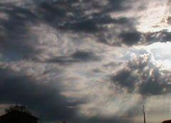 Nuages du matin  et soleil