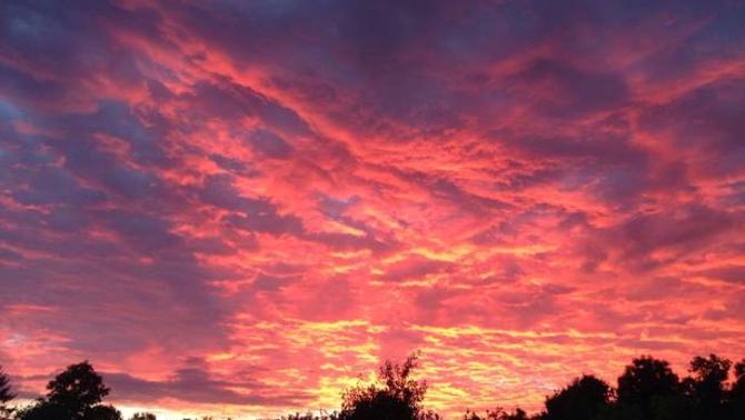 Actualit m t o ciel de feu en ile de france hier soir - L heure du coucher du soleil aujourd hui ...