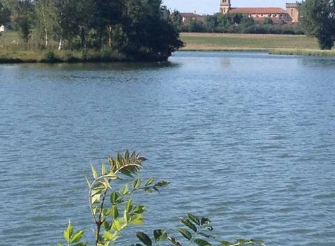 L'�glise vue du lac