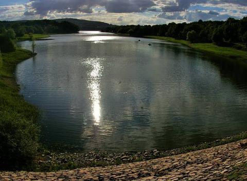 Lumi�res du soir sur le lac de Panneci�re
