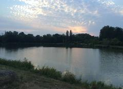 Coucher de soleil et lac borde basse