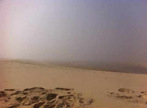 Entr�e maritime plage de la salie