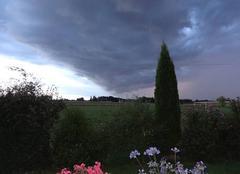 Vue d'un orage en formation sur Cauroir