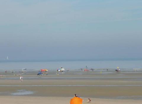 Plage de Dunkerque-Leffrinckoucke le 25 Ao�t dans la matin�e