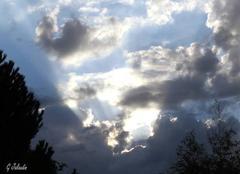 Beau ciel nuageux