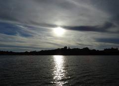 Soleil descendant � contre jour sur les bords de l'erdre � Carquefou