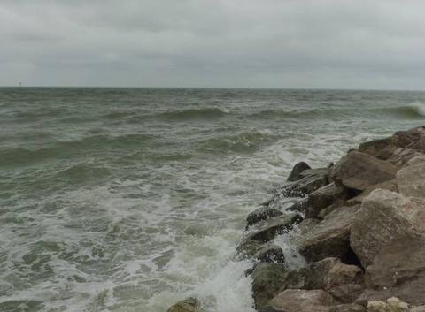 Wimereux- fin de matin�e : pluie et vent