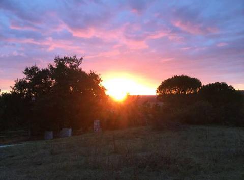 Magnifique coucher de soleil sur la campagne Tarn et Garonnaise