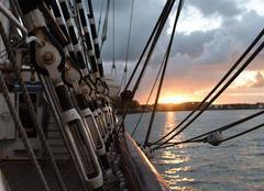Couché du soleil a bord du bateau par david steffen