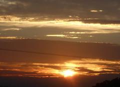 Pr�s   du   mt ventoux .....le   soleil   se  l�ve....