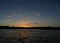 19h45 joli coucher du soleil sur la chapelle sur erdre