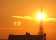 Soleil et Tour Eiffel