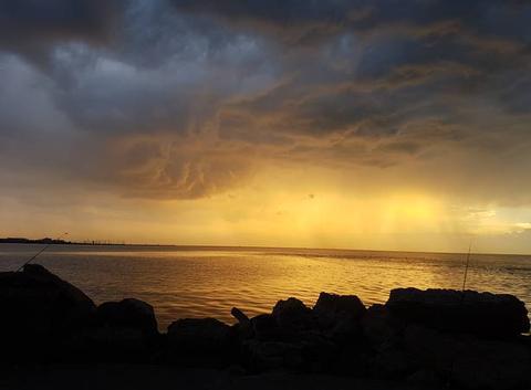 Un ciel orageux