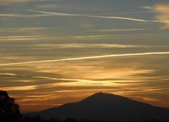 Du   monde   au-dessus   du   mont   ventoux....ce   matin.....