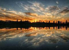 Coucher de soleil sur le lac Achard
