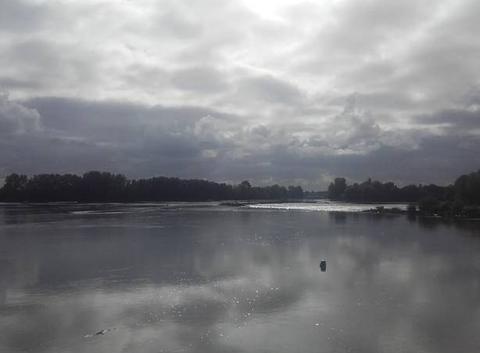 Reflet du ciel sur la Loire