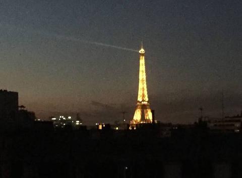 Paris 19:36
