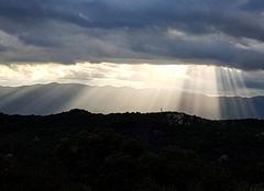Le soleil arrive