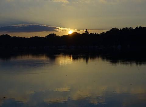 18h42 coucher du soleil