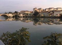 Les quais de l'Is�re et le Pont Vieux