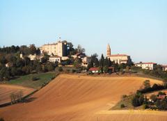 Travaux d'automne sous le chateau-fort de Montgey.