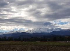 La Bigorre et le Pic du Midi dans les nuages