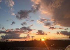 Magnifique couche de soleil entre deux giboulées