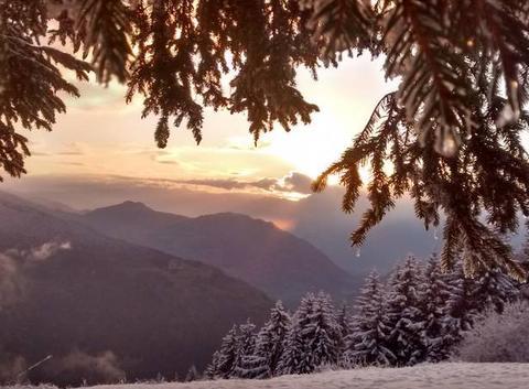 Coucher de soleil et premières neiges au collet d'allevard