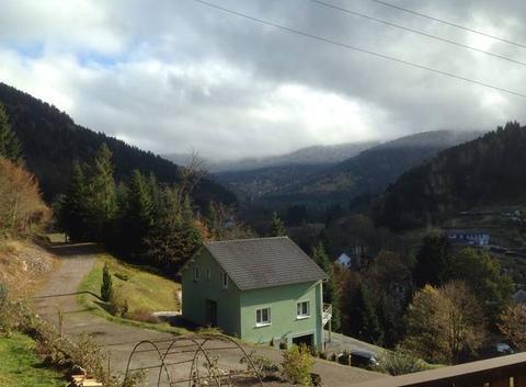 Neige au dessus de 900 m et soleil dans la vallée