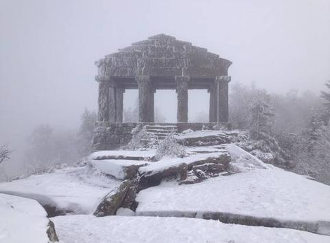 Le Temple du Donon célèbre les premières neiges !
