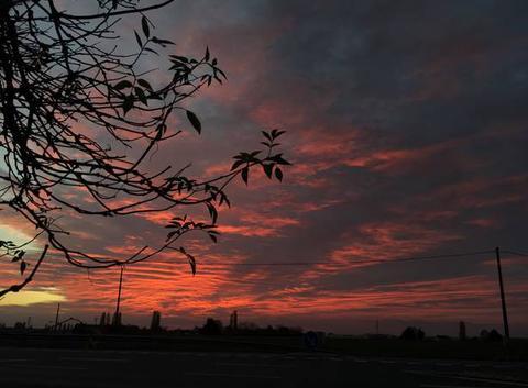 Ciel de feu au coucher du soleil