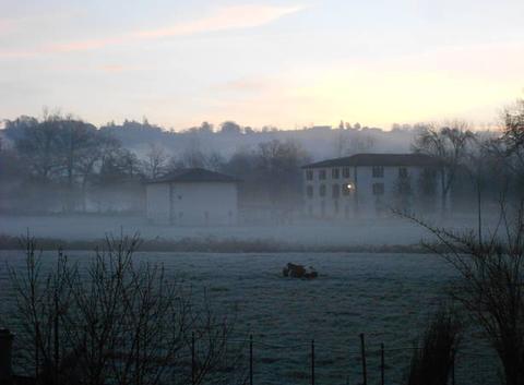 Brumes matinales au Moulin du Fau à Maurs (15)