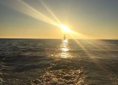 Voyage du soleil sur la mer