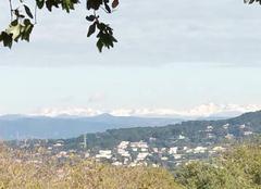 Montagnes enneigées vue de la Croix des Gardes