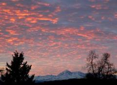 Pyrénées vues de St Lézer 65500.